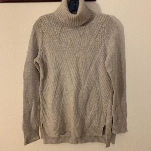 BANANA REPUBLIC Gray Turtleneck Knit Sweater